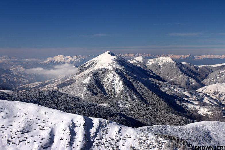 The Oshlak mountain 2212m, Brezovica