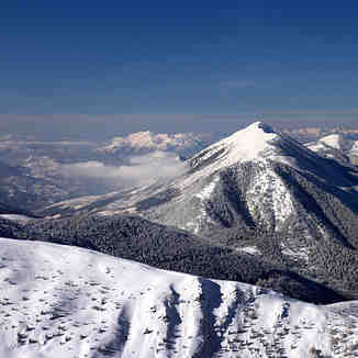 The Oshlak mountain 2212m, Brezovica