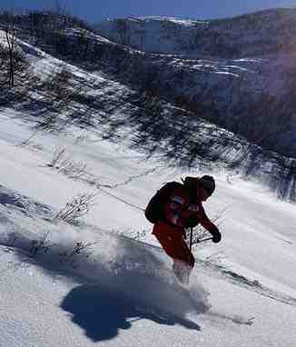 Downhill in powder, Villars