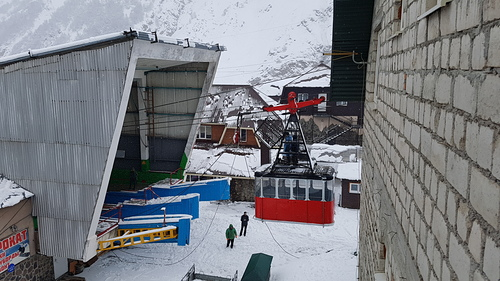 Mt Elbrus Ski Resort by: Rare one from Korea.