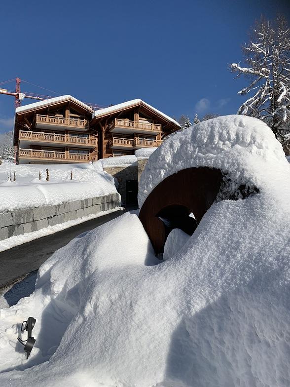 New snow around Domaine Du Roc, Villars