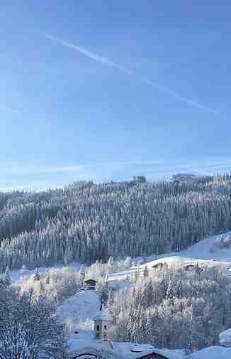 A snowy Picture of Wagrain Village & The Grafenburg