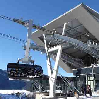New cable car to Zugspitze summit., Garmisch-Partenkirchen-Zugspitze