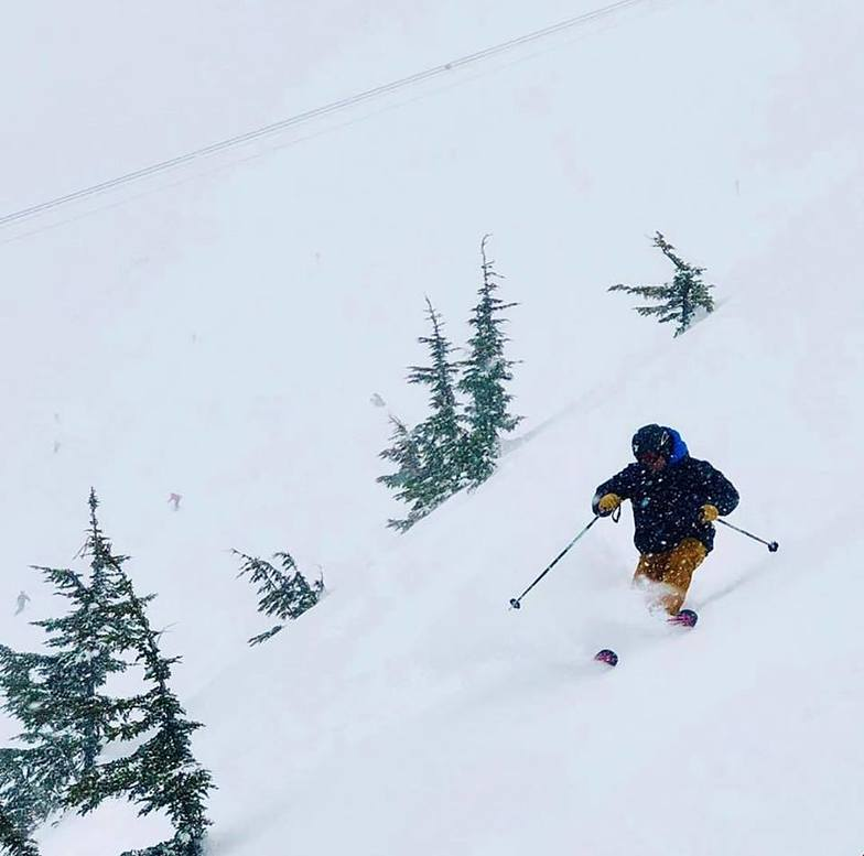 More than a metre of snowfall in the last 72 hrs., Alyeska Resort