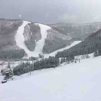 After a fairly dry March, a snowy start to April., Nozawa Onsen
