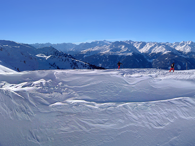Snow ridge on the Horn 2000, Alpbachtal