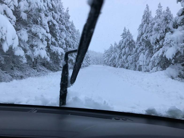 40cm fresh snow overnight in Scotland., Cairngorm