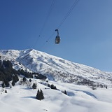 Bluebird powder day in andermatt