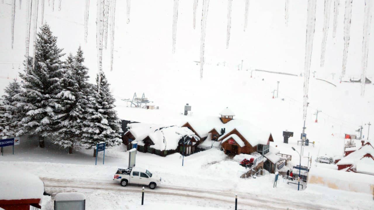 40cm of snow in the last 72 hrs., Las Leñas