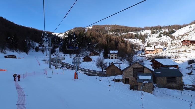 Roubion 1400m, Roubion - Les Buisses