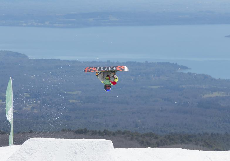 Lucas Tirado en big Jump, Villarrica-Pucon