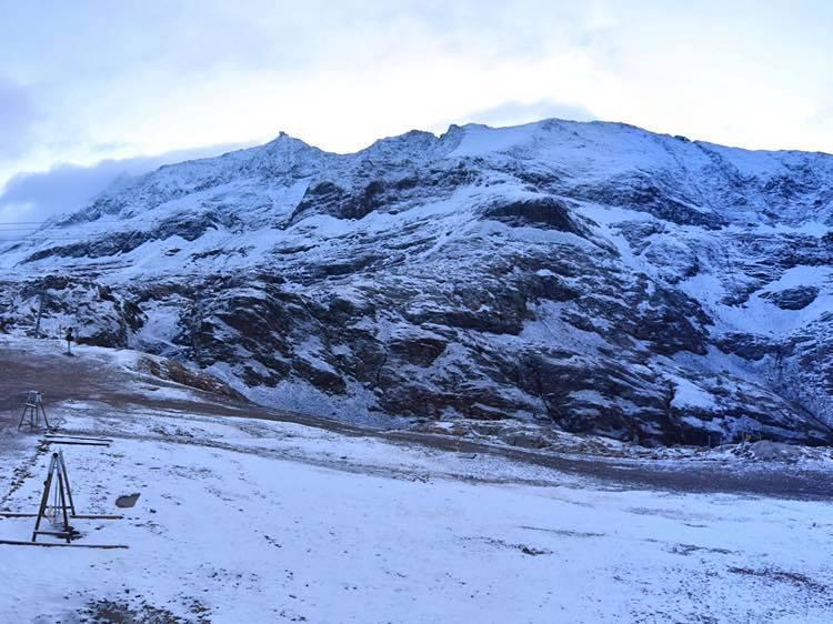 Snow falling across the Alps, Alpe d'Huez