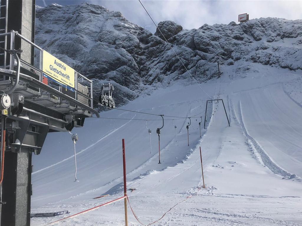 Now open for downhillers, Dachstein Glacier