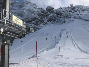 Now open for downhillers, Dachstein Glacier photo