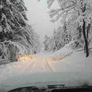 Road blocked by snow, Mölltaler Gletscher