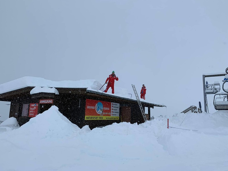 Huge snowfall in the Alps, Hintertux