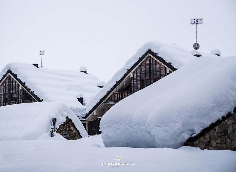 1.5 metres (5ft) of snow in latest storm, Mondolè (Prato Nevoso and Artesina)
