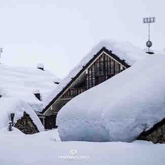 1.5 metres (5ft) of snow in latest storm, Mondolè (Prato Nevoso and Artesina)