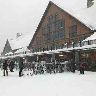 39cm in 24hrs, Cypress Mountain