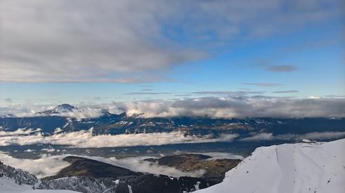 Les 7 Laux Ski Resort by: simon vandel