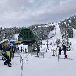 The Bear Chair - new quad chairlift, Manning Park Resort