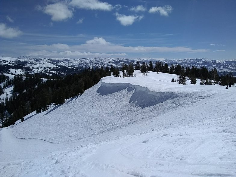 Cornice at Porridge Bowl, Bear Valley