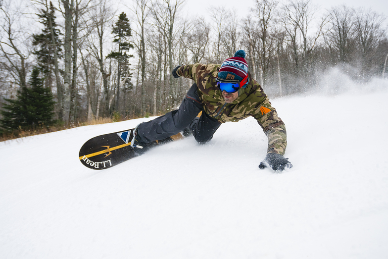 Seth Wescott Carving Opening day 2017, Sugarloaf