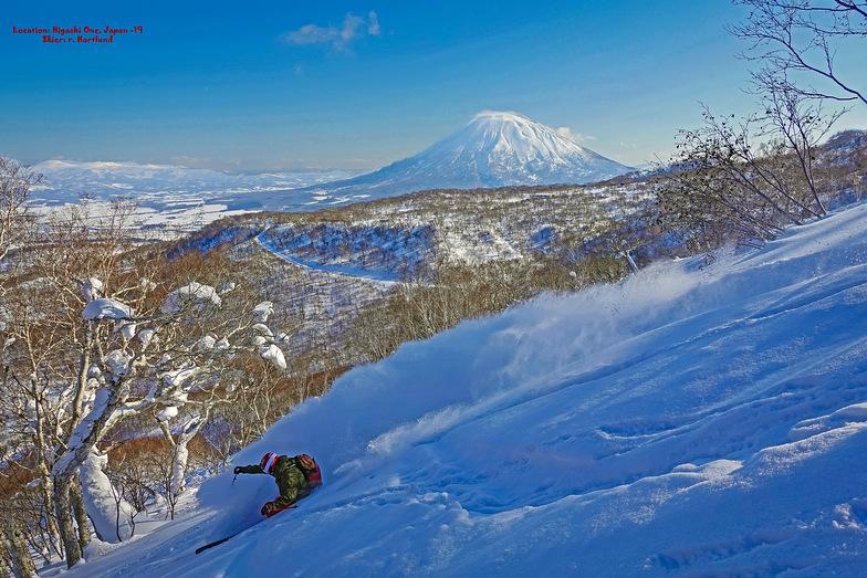 Deep Pow, With Mt Yotei watching over you!, Niseko Hanazono Resort
