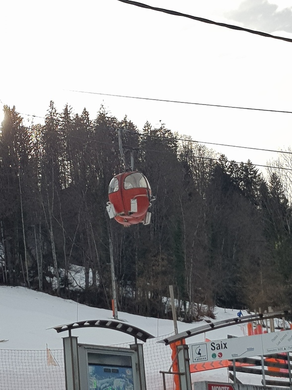 State of the art lifts at Saix, Samoens