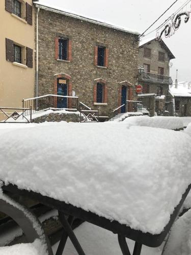 Les Angles Ski Resort by: Snow Forecast Admin