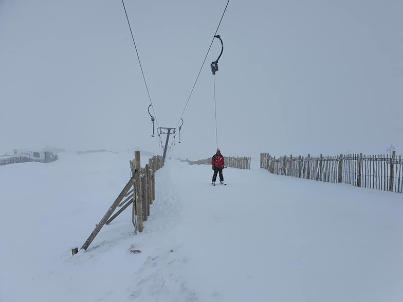 fresh and heavy snowfall, Glencoe Mountain Resort