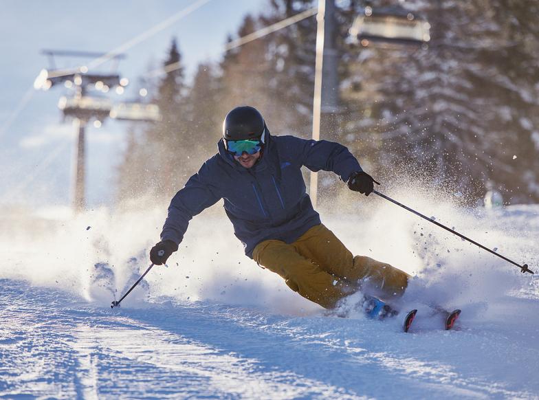 Skiing on track Lom, Cerkno