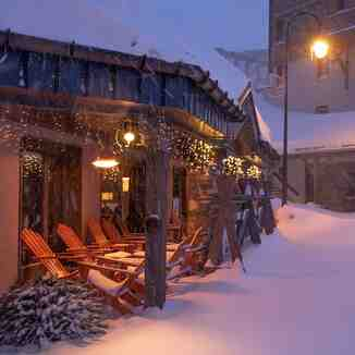 snowstorm in Alps brings 55cm (nearly 2 ft) so far, Val Thorens