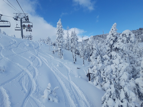 Les Angles Ski Resort by: Xavier Bonet