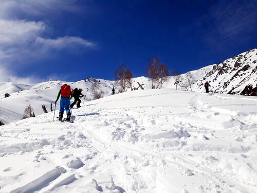 Gulmarg Ski Resort by: Himalayan Ski Guides