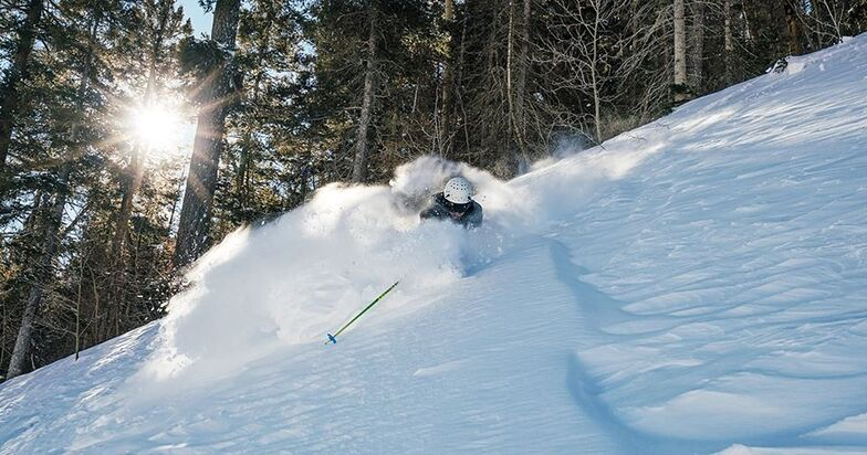 reporting 25cm (10 inches) of fresh snow in the past 24hrs, Taos