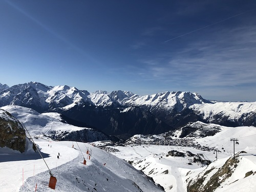 Alpe d'Huez Ski Resort by: Pierre-Emmanuel POIZAT