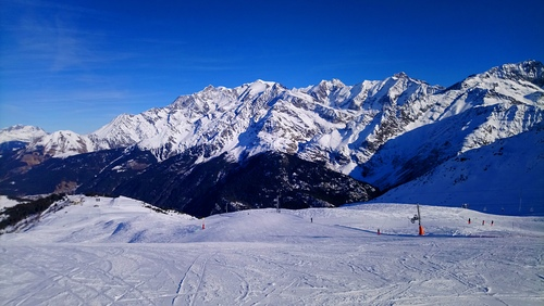 Les Contamines Ski Resort by: PIERRE KLARZYNSKI