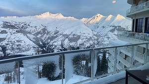 JUST THE MOUNTAINS & THE KING SUN, Les Arcs photo