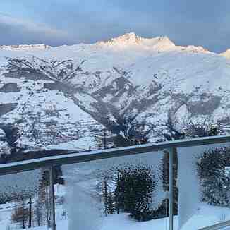 JUST THE MOUNTAINS & THE KING SUN, Les Arcs
