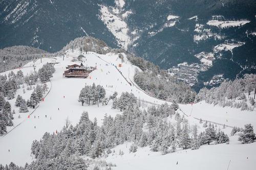 Vallnord-Pal Ski Resort by: tourist offical