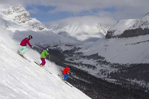 Lake Louise Ski Resort by: tourist offical