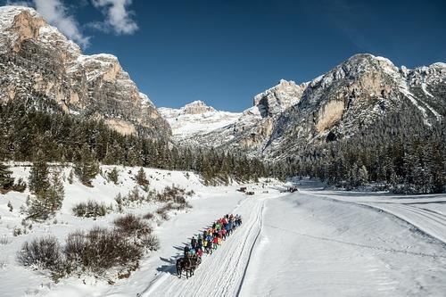 Badia (Alta Badia) Ski Resort by: tourist offical
