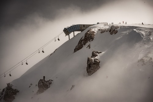 Mammoth Mountain Ski Resort by: tourist offical