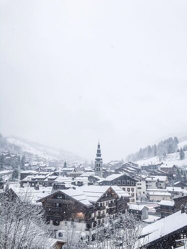 La Clusaz Ski Resort by: Snow Forecast Admin