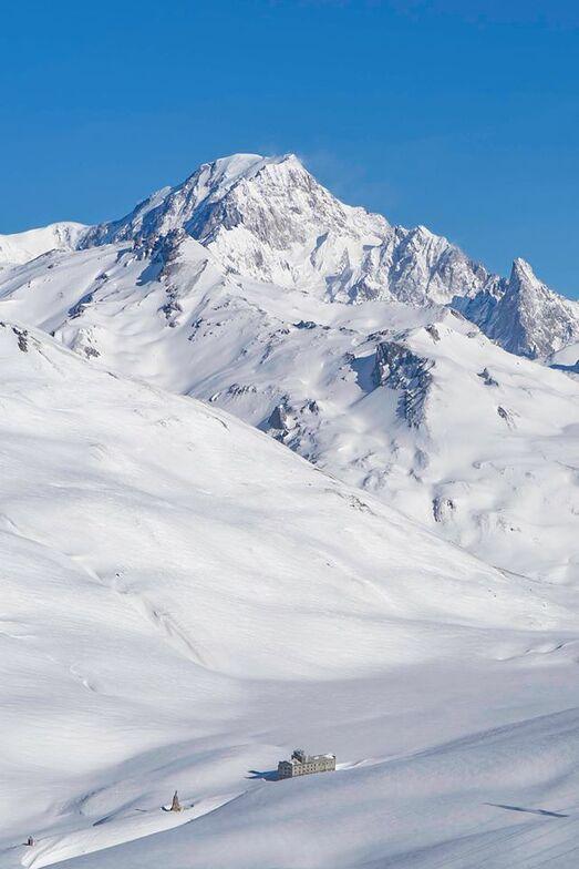 60cm (2ft) of snow during the past few days, La Rosière