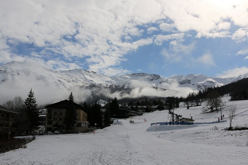 Sauze Super-Sauze Ski Resort by: tourist offical