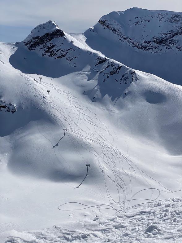Abandoned ski lift, Gorky Gorod