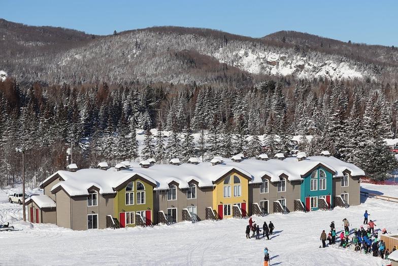 Searchmont Resort