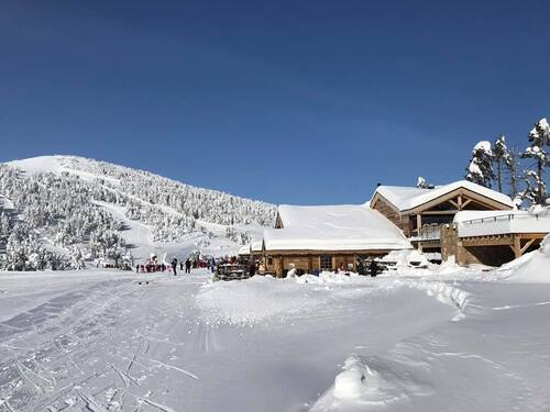 Les Angles Ski Resort by: tourist offical